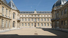 They were built around the Hôtel de Soubise under Louis Philippe and Napoleon III to house the increasing number of records, and are a spectacular setting to house the documents of France's history.